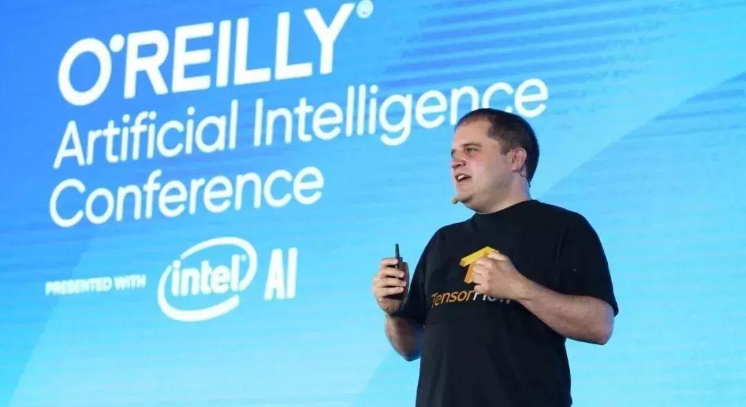 TensorFlow技術主管Peter Wardan:機器學習的未來是小而美