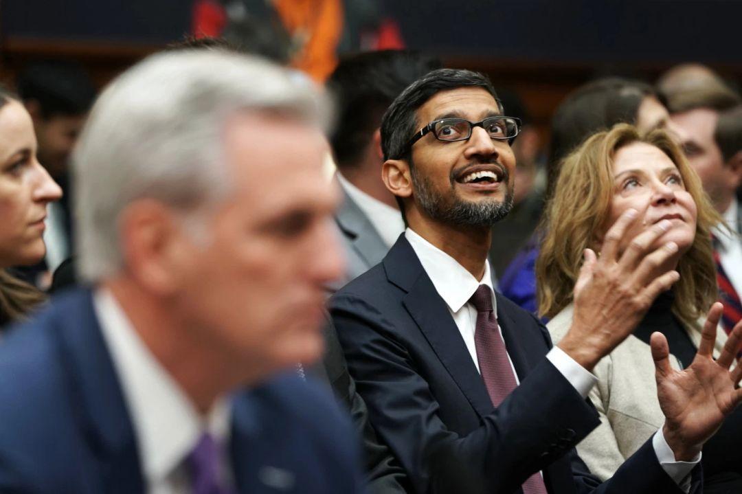 """谷歌两位创始人双双""""退位"""",皮猜升职Alphabet帝国CEO独揽大权"""
