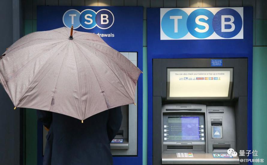 """000多个Bug!这个系统让银行瘫痪、13亿人账户出错、最终损失超过28亿"""""""