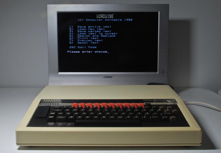 一条推特里,用280个字符编程!全球首个云端8位计算机,树莓派创始人玩得很开心